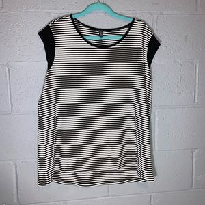 Black and white stopped cap sleeved shirt